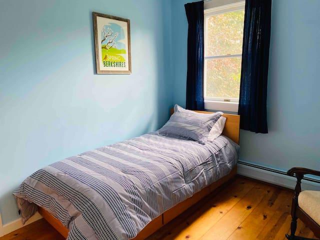 Bedroom 2-Spring