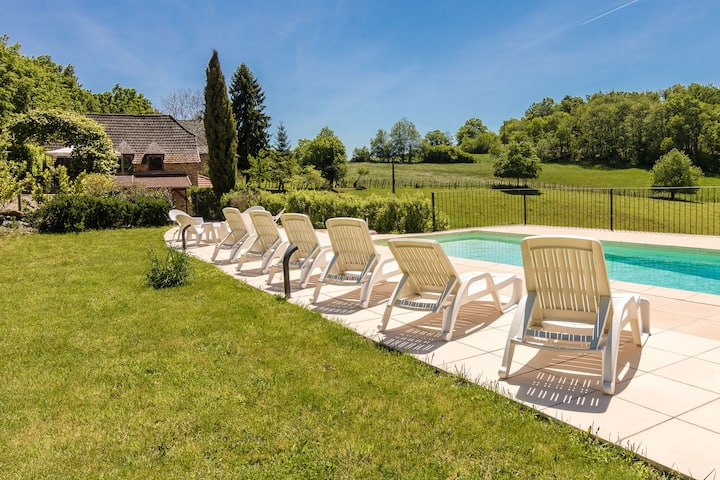Spacious Holiday Home in Altillac with Private Pool