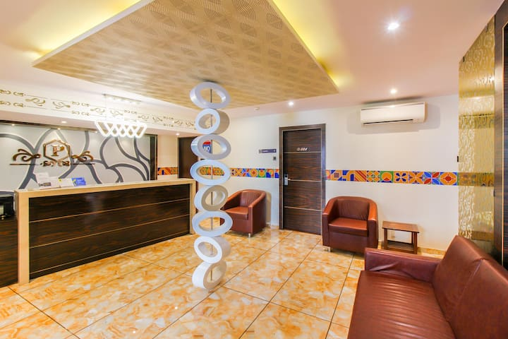 Deluxe Room in Andheri near International Airport