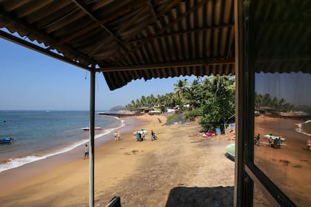 A room on the beach - Anjuna