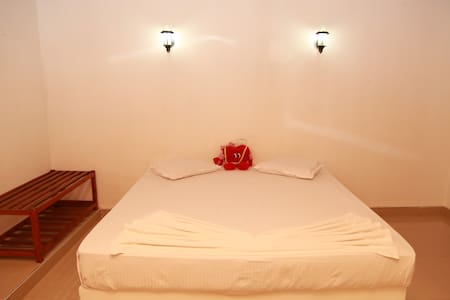 Comfort double room - Odara hotel and restaurent - Tissamaharama