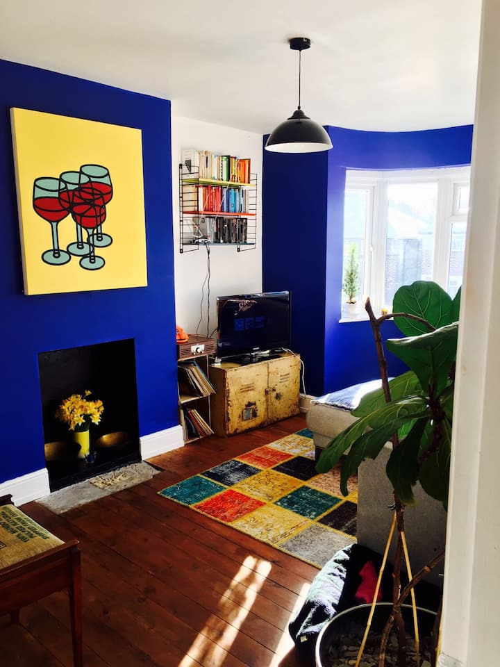 Funky London Flat with easy commute into West End!