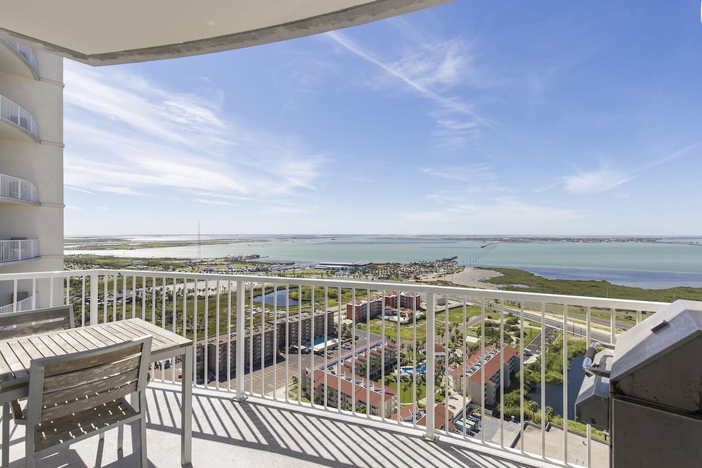 Beautiful views of the Laguna Madre Bay from a second balcony!