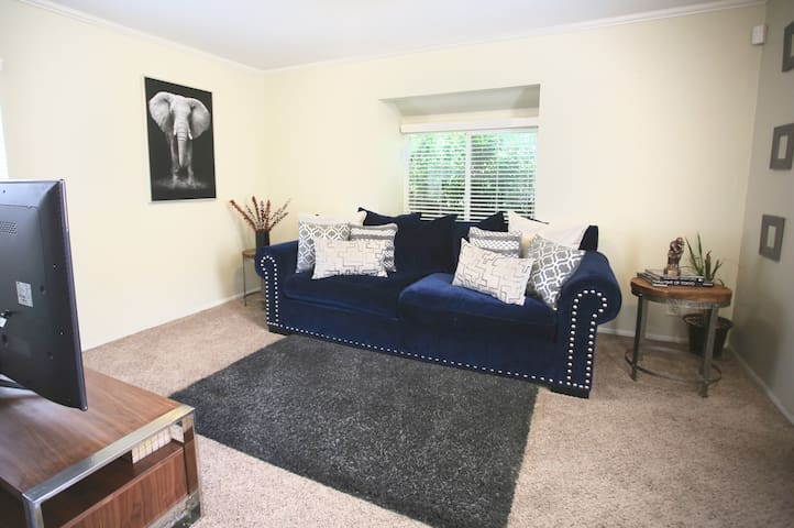 Charming Guest House near Silver lake area