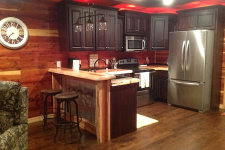 CEDAR CABIN Retreat near Tim's Ford Lake - Tullahoma