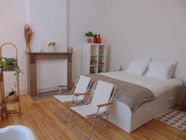 Superbe chambre à Namur-Citadelle - Namur - Townhouse