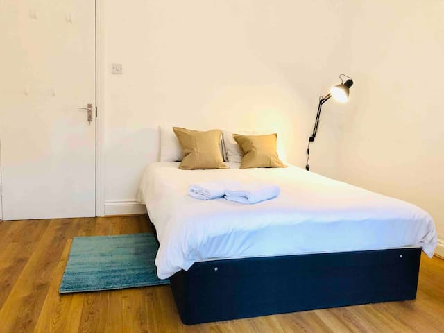 Comfortable clean room in central London.