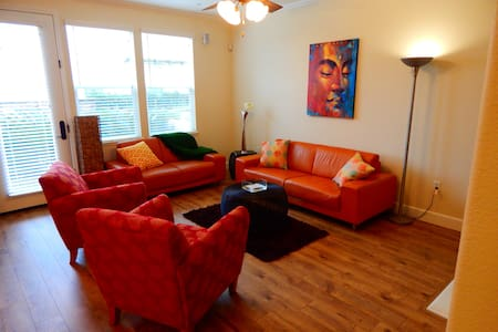 Spacious condo minutes from Downtown - West Sacramento - Kondominium