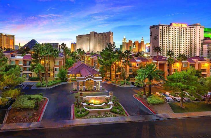 CES Las Vegas 1BR Suite at Desert Rose Resort #58