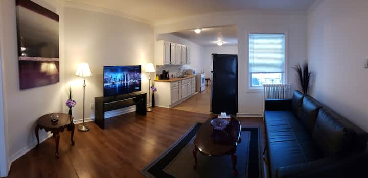 Private Apartment with Parking and Self Check-in