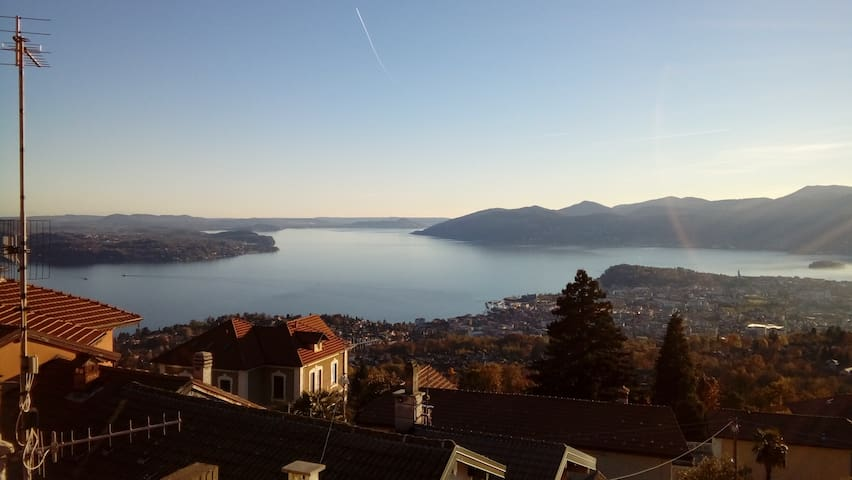 Lake Maggiore. Villa & Panorama - Bee - Apartment
