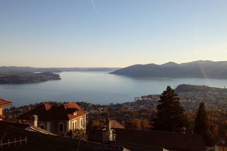 Lake Maggiore. Villa & Panorama