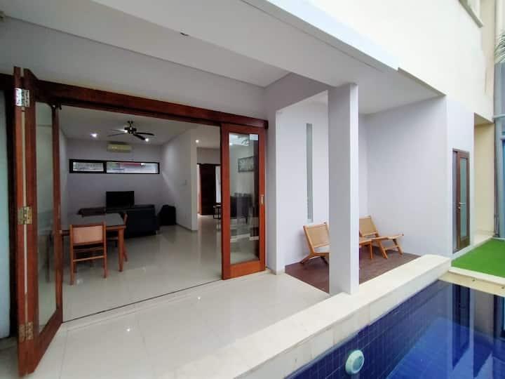 3 BR House Private Pool hs WiFi Kerobokan