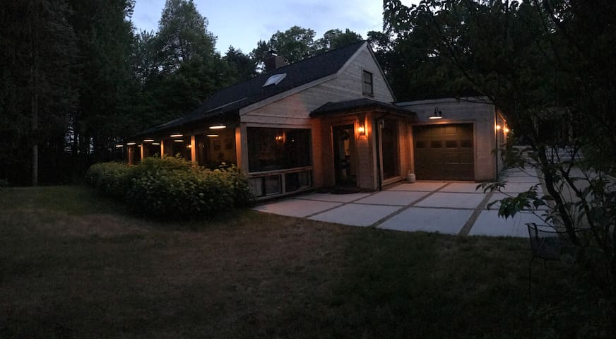 Luxe wooded retreat one hour from Chicago