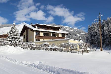 Wintersport Chalet vlak bij Gerlos - Társasház