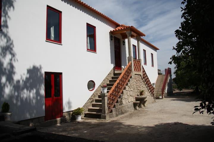 Casa da Srª do Outeiro - ideal para famílias!