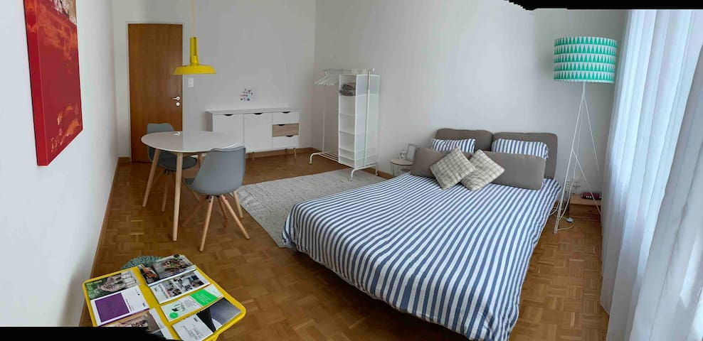 Cozy room near EuroAirport/SBB/City