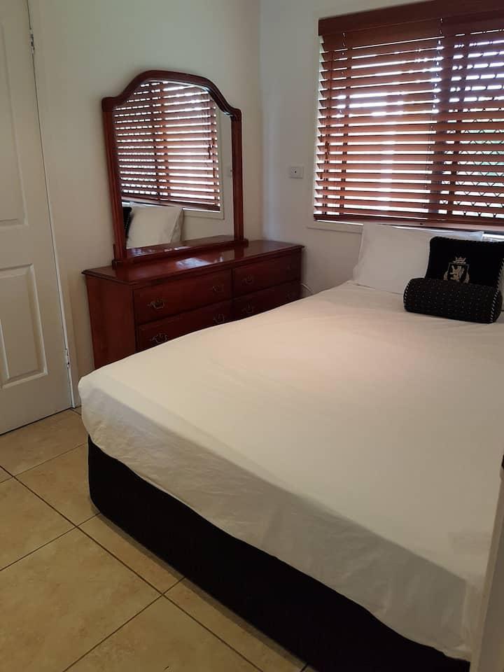 Private Room in Big & Beautiful Modern Home