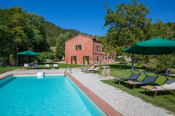 Villa Verde, large villa sourranded by the nature