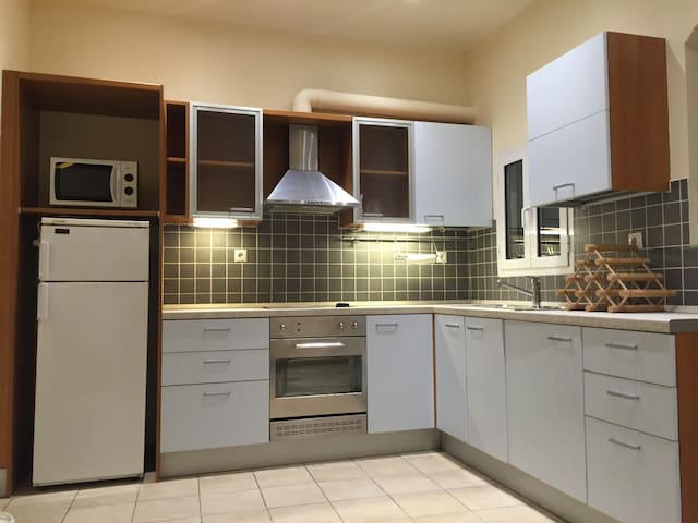 Two bedroom COCO-MAT spacious flat near Achillion - Kerkira - Lejlighed