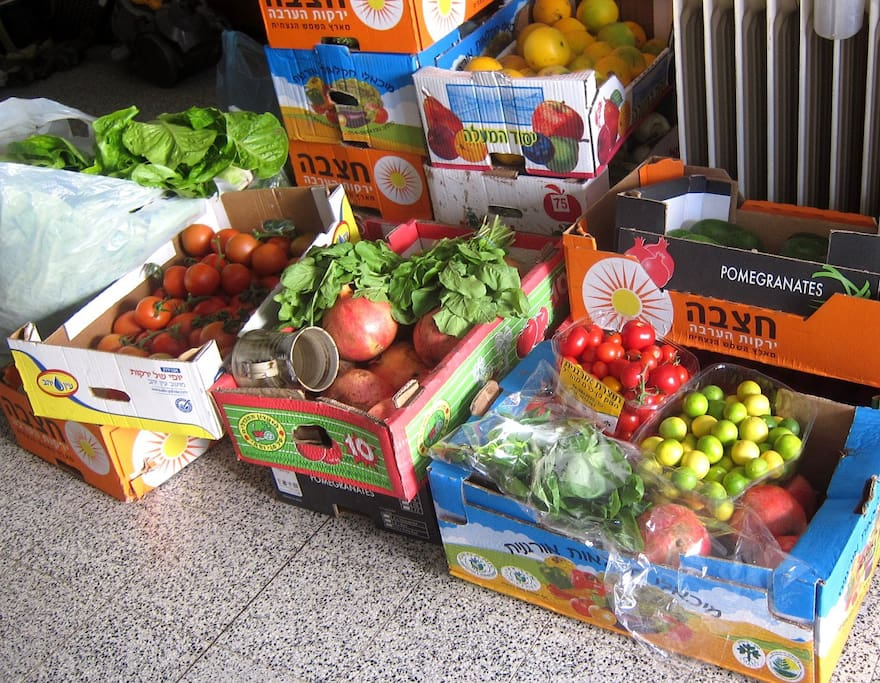 This is our weekly vegetable shipment. delicious organic food straight from the farmers. You're welcome to the food!