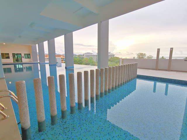 3 Bedroom Apartment at Batu Ferringhi w/ Hill View