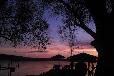 Comfortable Cottage on Seneca Lake - Lodi