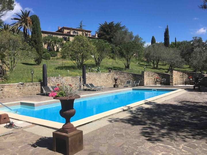 Nice room in Casa Cavallo, swimming pool sea view