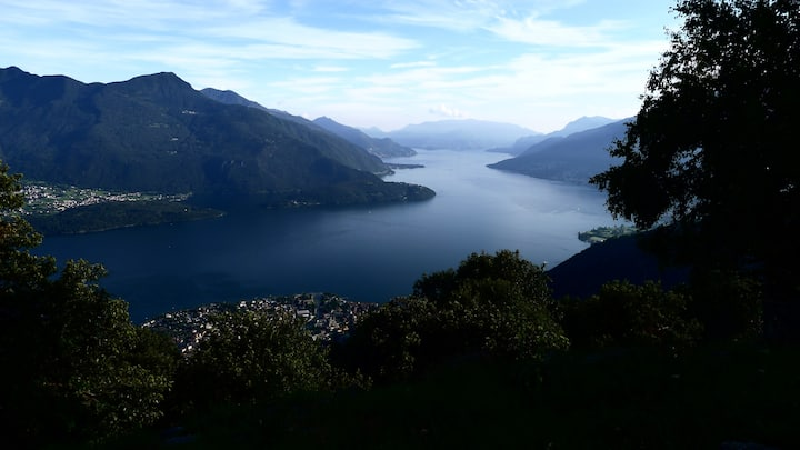 stupendo chalet, giardino con vista lago e wifi