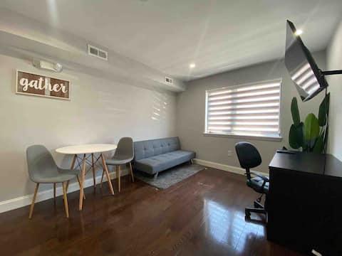 Cozy Apartment , All private, 2 Smart TV 2 bath🛁