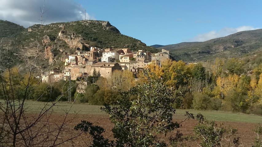 Casa de poble. Vistes espectaculars - Alòs de Balaguer - Hus