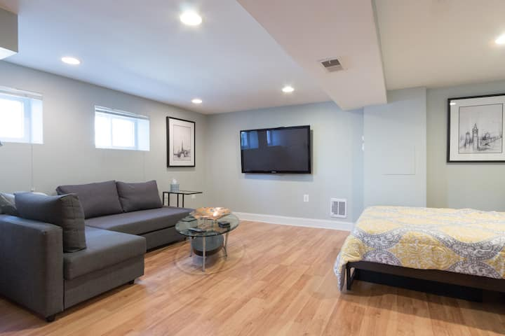 DC Living!  Newly Renovated Apartment in Petworth