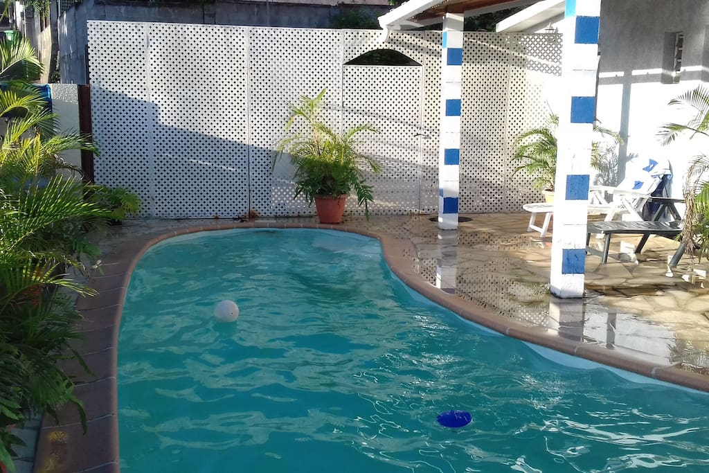 varangue sur la piscine