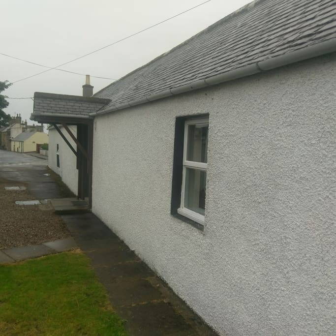 Outside view of Annexe