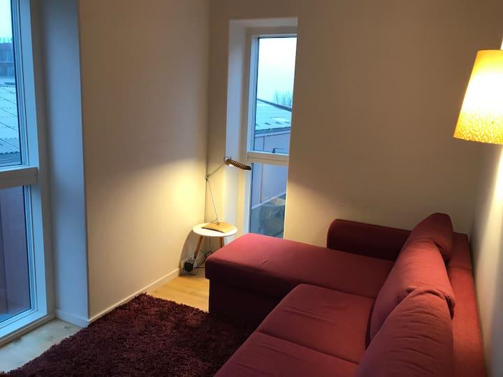 A room between beach, metro, airport & city