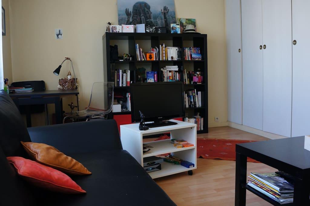 Living-room / bedroom