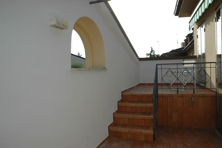 Casa Tassoni, centro storico. CIR 020030-CNI-00068