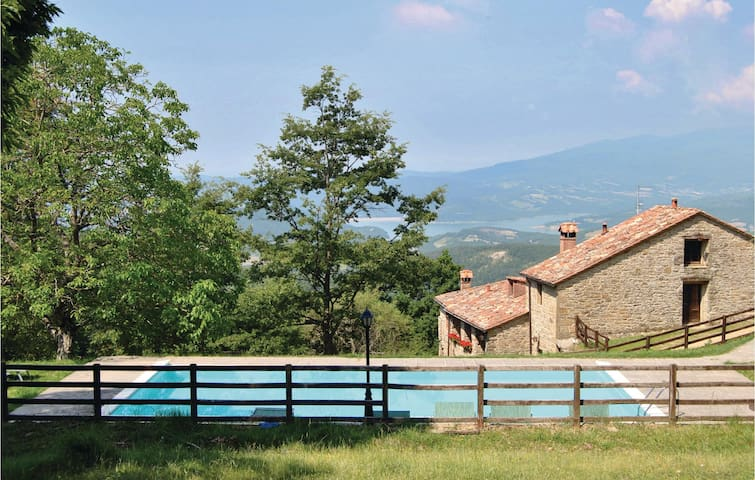 Holiday cottage with 10 bedrooms on 280 m² in Sansepolcro AR
