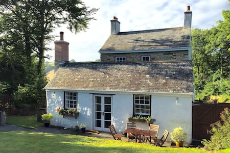 Trevenna Cottage at Hill House - Duloe, Nr Liskeard