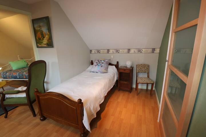 espace détente avec coin sommeil avec lit 90
