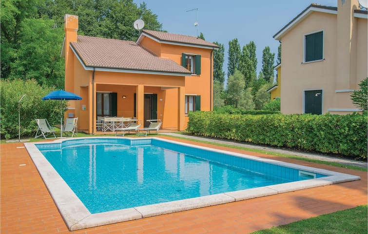 Semi-Detached with 3 bedrooms on 100m² in Albarella RO