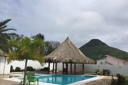 Jardines de Guayamuri - Maragatita