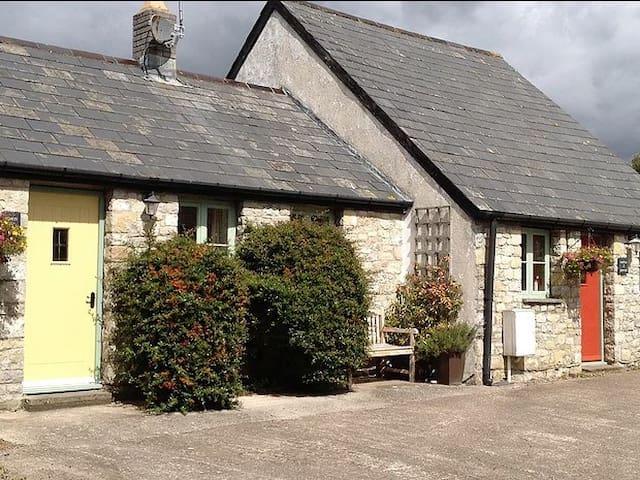 Cottage-Ensuite-1 Wren
