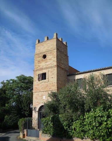 """IRONMEN"" 2017 e Torre Martinetti Bianchi - Silvi - Casa"