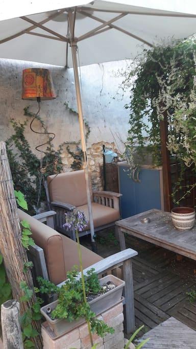 Salon de jardin / Barbecue Weber