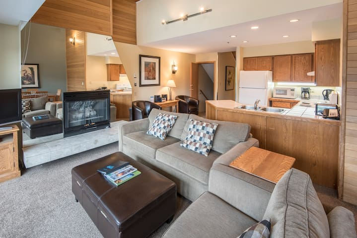 Month to Month 1BR + Loft Rental Whistler Village