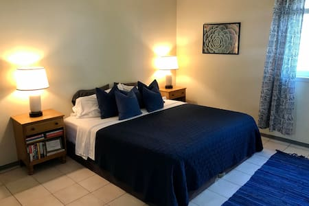 Cozy Studio close to beach, Bacara, and UCSB