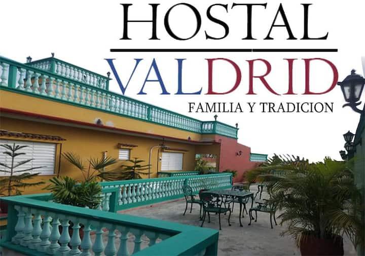 Hostal Valdrid -- Familia y Tradición