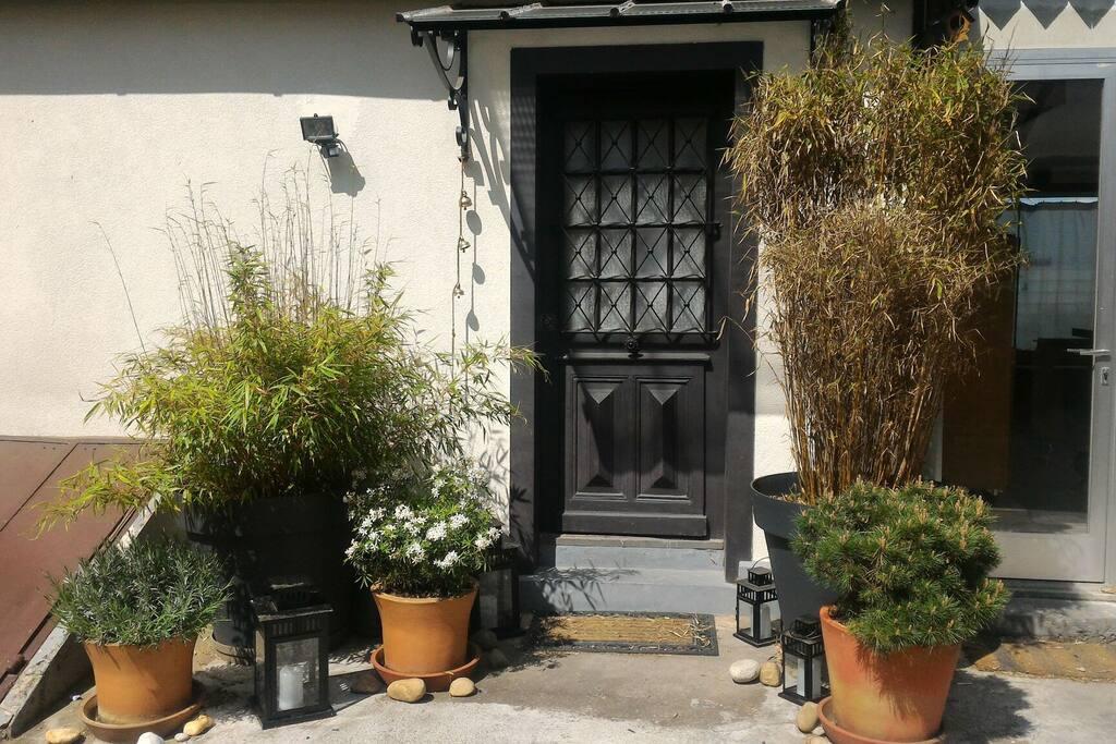chambre petits d jeuners maisons de ville louer strasbourg alsace champagne ardenne. Black Bedroom Furniture Sets. Home Design Ideas