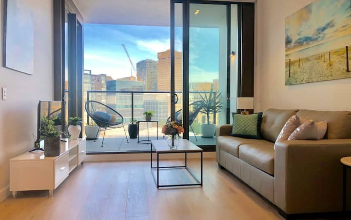 MAGNIFICENT! NEW DARLING HARBOUR APT+CITY VIEWS